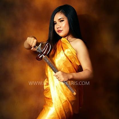 Kolektor keris - Keris Pusaka Kyai Sangkelat Kinatah Emas HB
